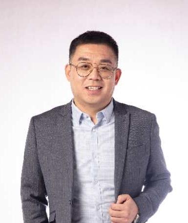 常务副会长 吴越